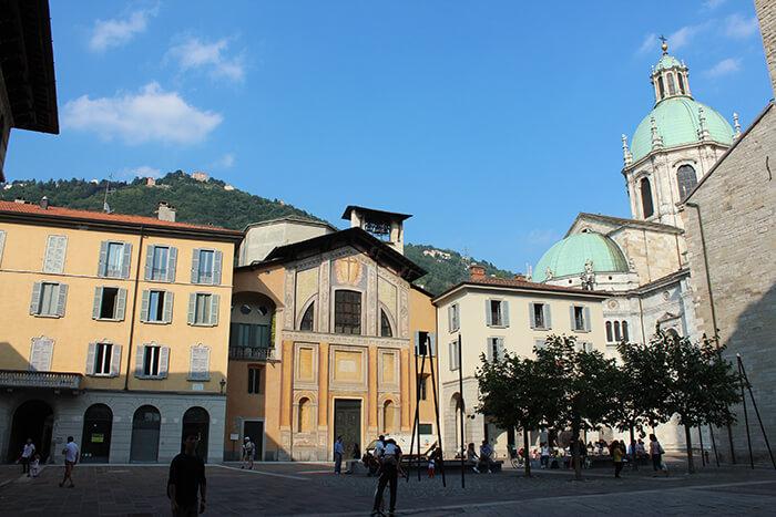 Duomo piazza vicina