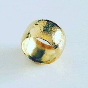 bague or martellée